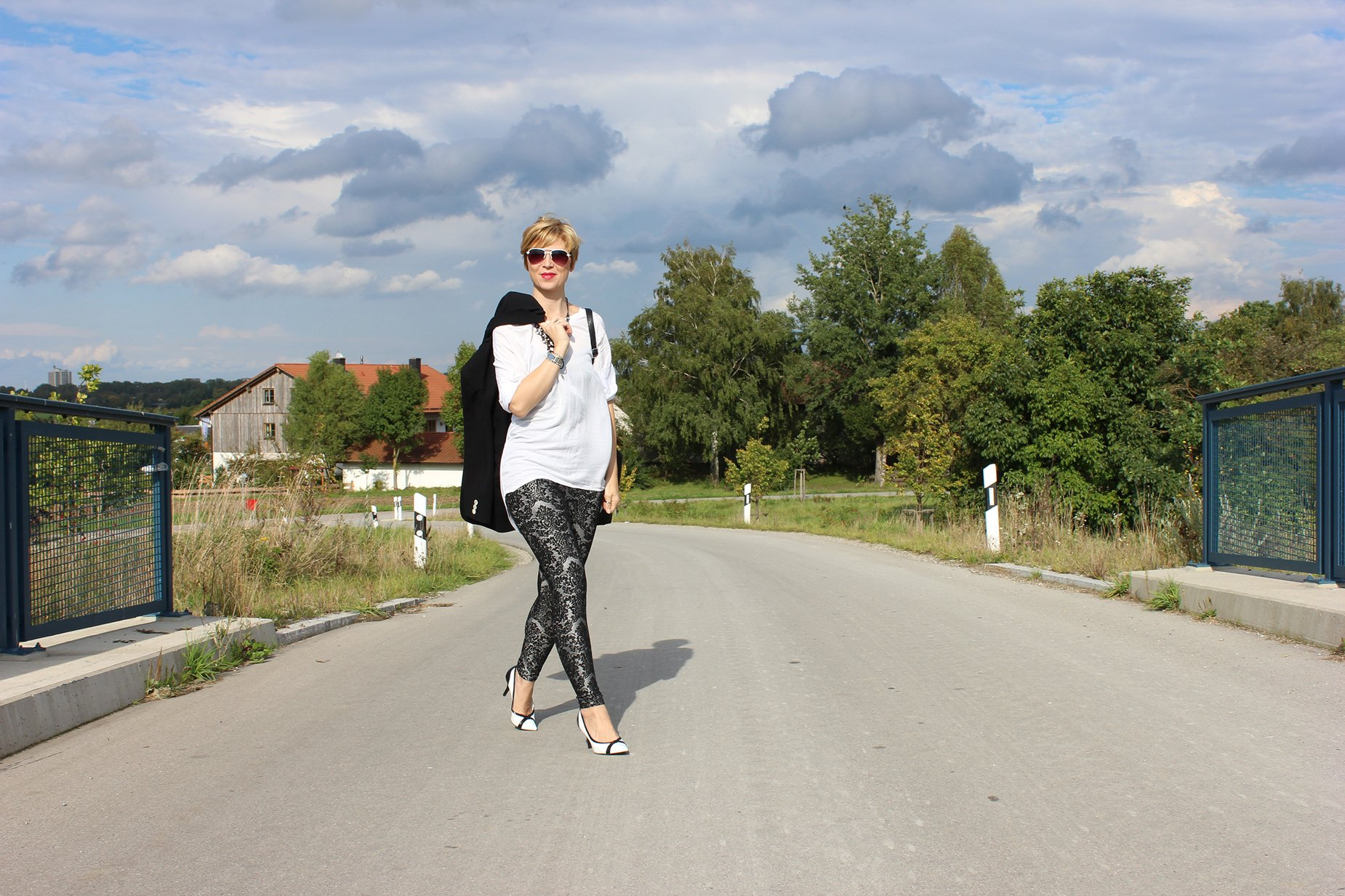 IMG_1620a_Only_blackandwhite_Legging_pumps_Deichmann