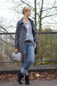 IMG_4496a_ConnyDoll_Kaschmirpulli_SOliver_Jeans_Booties_dunkelblau_rosaundgrau