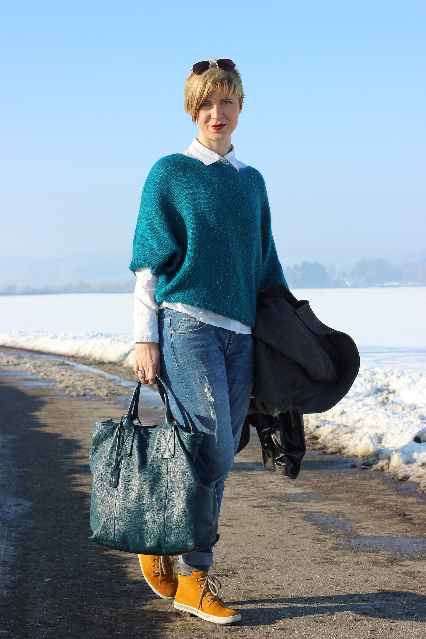IMG_7202a_ConnyDoll_grau_tuerkis_petrol_Lagenlook_Strickpulli_RichandRoyal_paulgreen_loop_winterlook_wintersun_mustardyellow