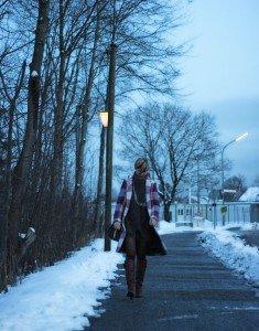 IMG_9183a_Jeanskleid_Rollkragenpulli_Steifel_FryiBoots_-Winter