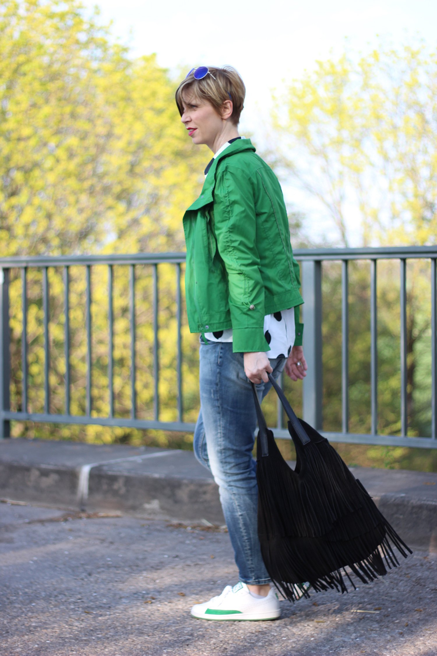 IMG_3506a_AHemadundaHos_ConnyDoll_Gruen_green_dots_Punkte_anklejeans_Only_Asos_