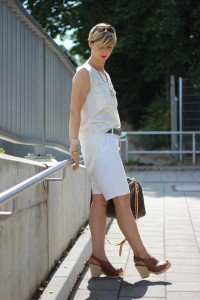 IMG_9193a_ü40_ue40_Fashionblog_BodenShorts_Speedy40_LouisVuitton_weiß_creme_Sonnenhut_SellaandDot