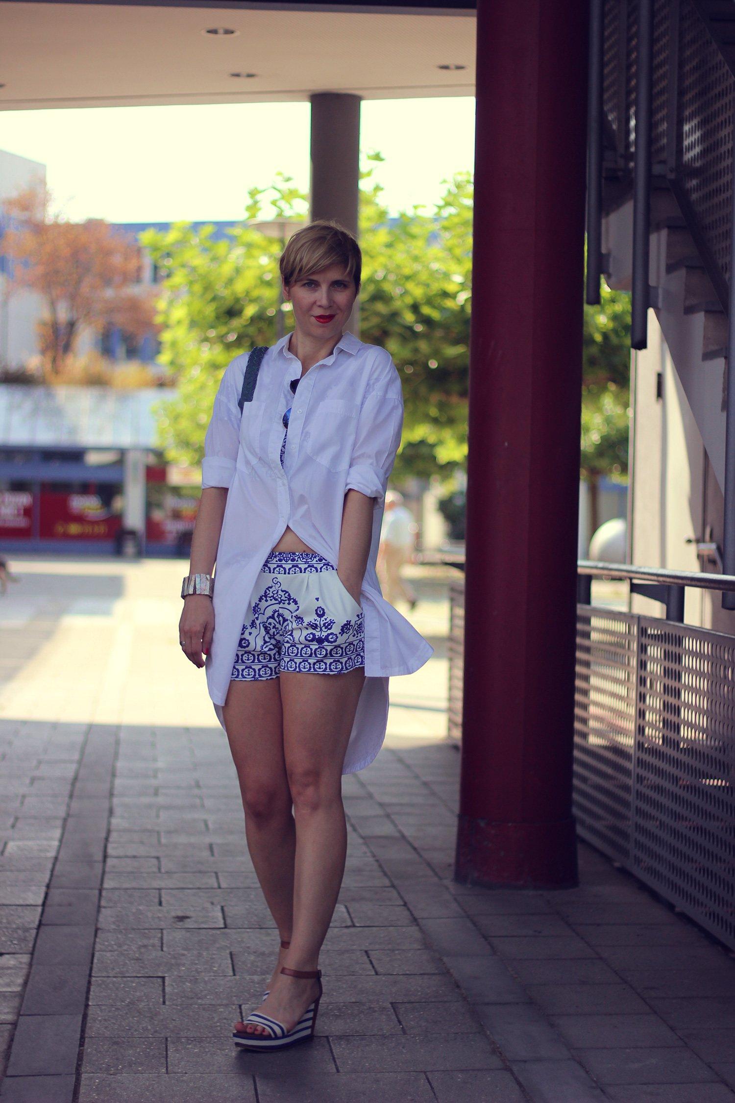 IMG_9650a_Zweiteiler_shorts_blusenkleid_H&M_Blue_Blau_AHemadundaHos_40+style_Fashionoverforty