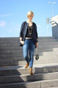 IMG_3629_IG_Modeflüsterin_magischesModedreieick_Leo_boots_SamEdelman_Shirt_Blazer_Jeans_Skinny_Only