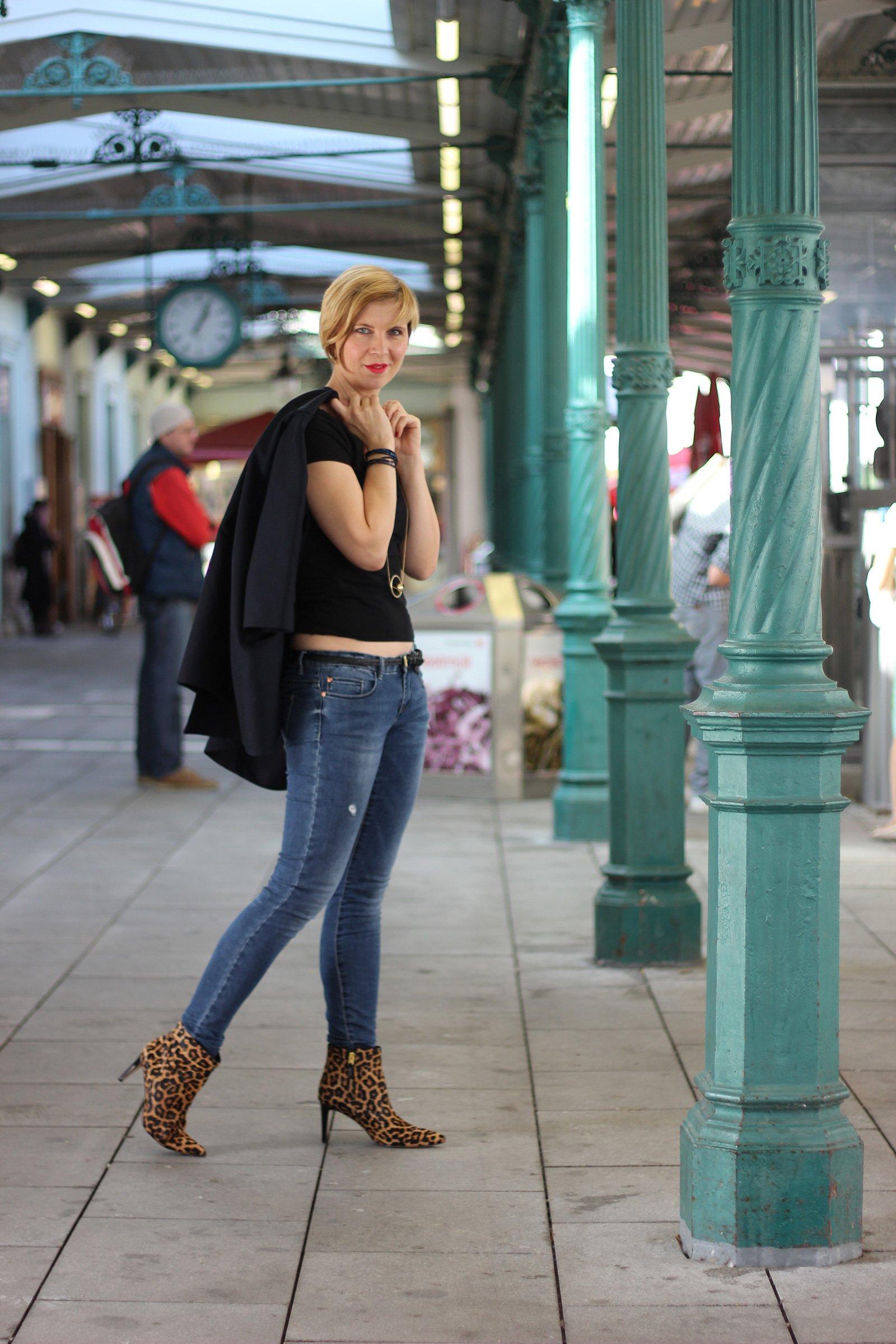 IMG_3733a_Modeflüsterin_magischesModedreieick_Leo_boots_SamEdelman_Shirt_Blazer_Jeans_Skinny_Only