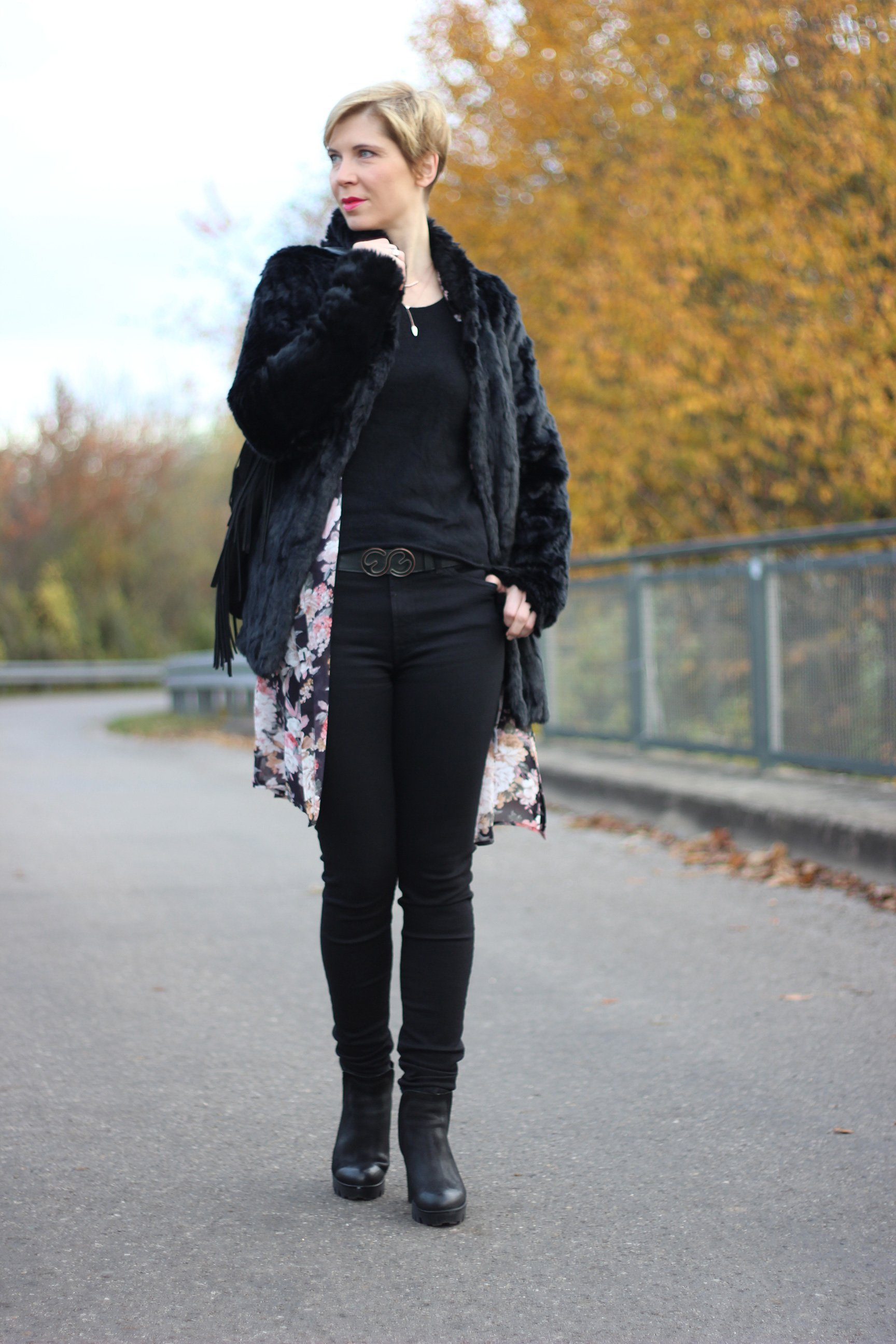 IMG_6759a_Only_Flowers_Longblouse_Felmini_Ankleboots_ConnyDoll_7forallmankind