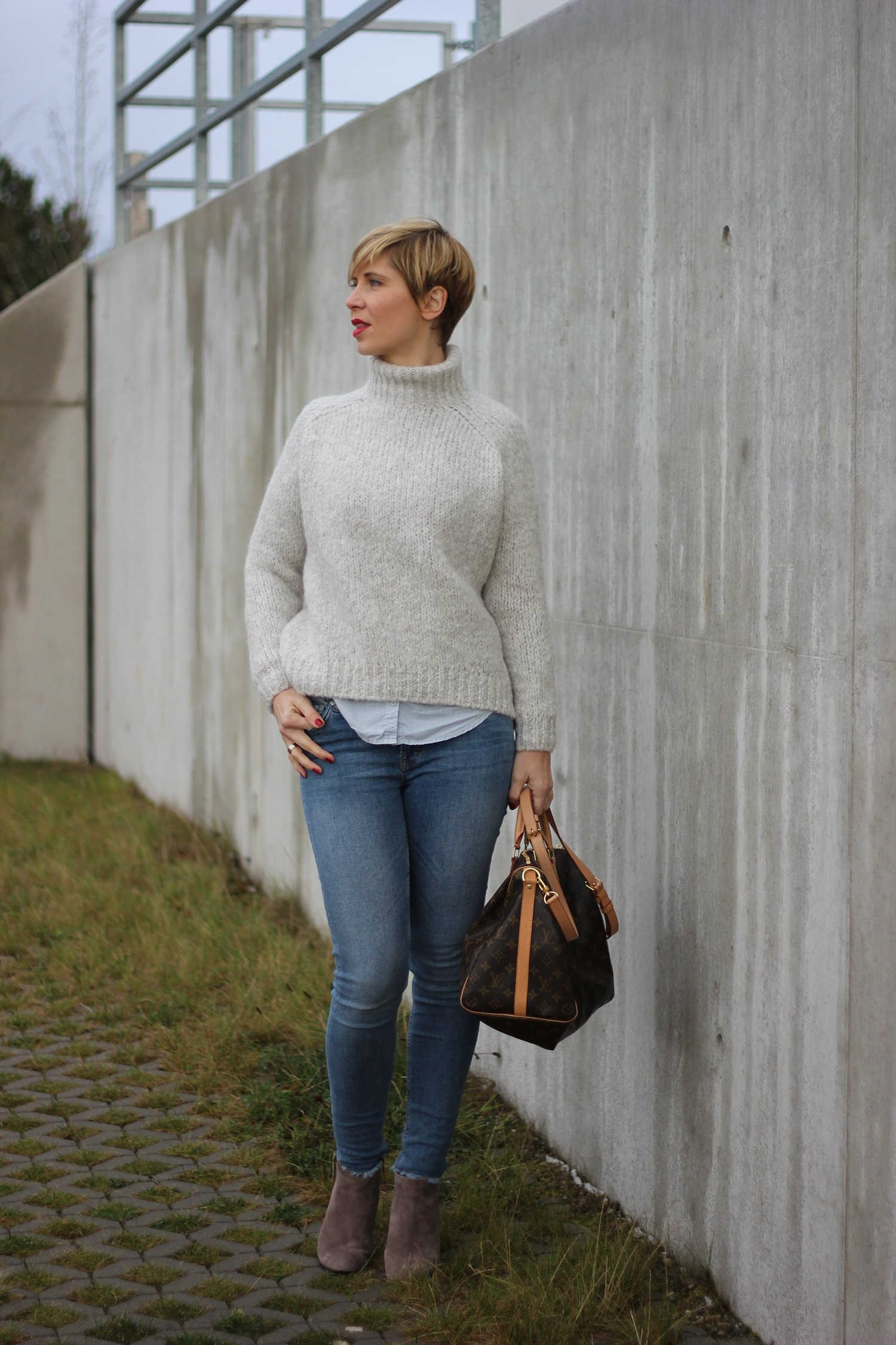 IMG_8880a_Zara_Rollkragen_casual_Jeans_Only_ConnyDoll_AHemadundahos_KennelundSchmenger_Boots_Marcopolo_Bluse