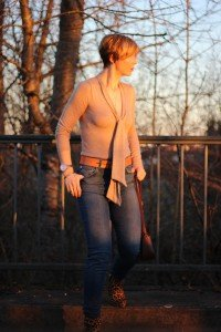 IMG_9625a_Leoboots_Schluppenpulli_HighwaistJeans_Zara_Parka_OversizedScarf
