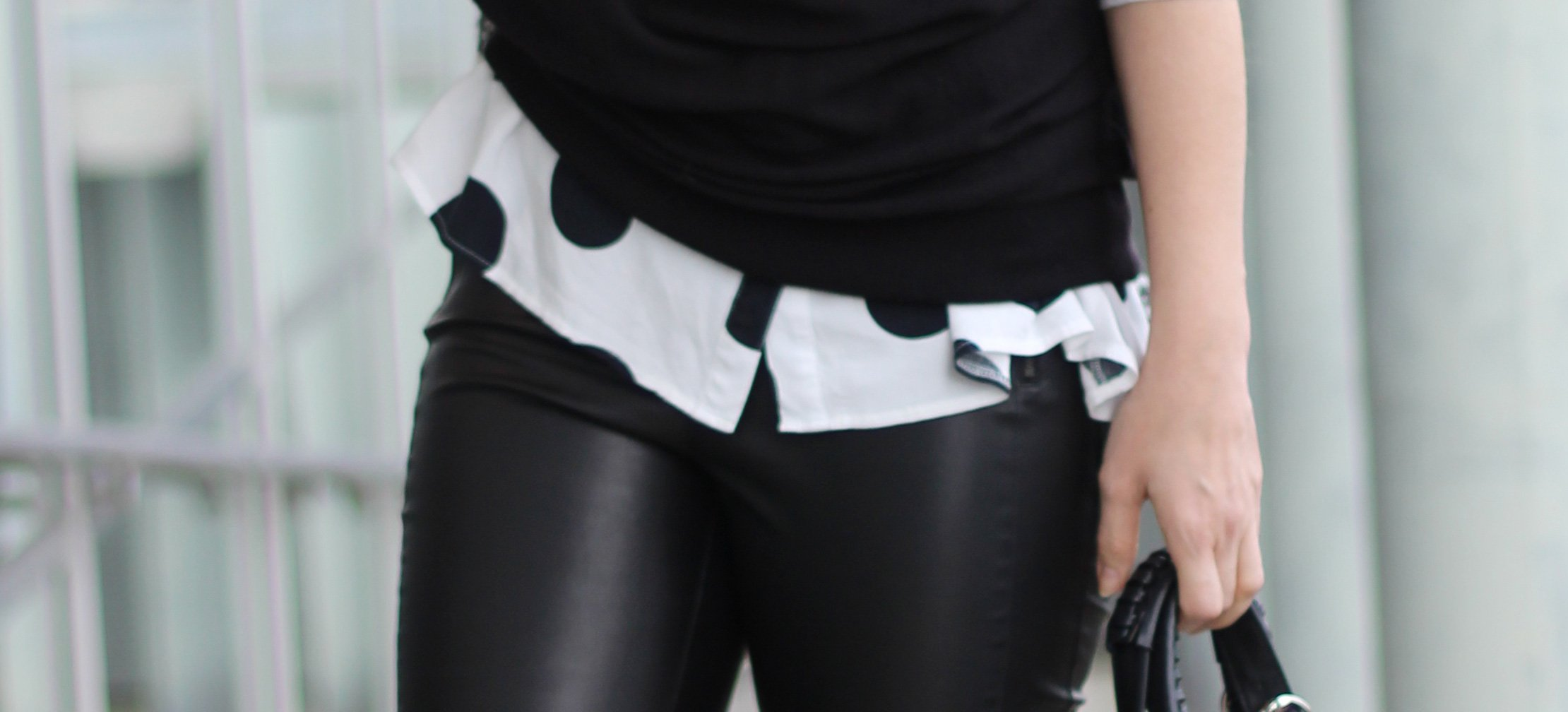 Fakeleder, black and white, boss orange, Kunstlederhose, Punktebluse