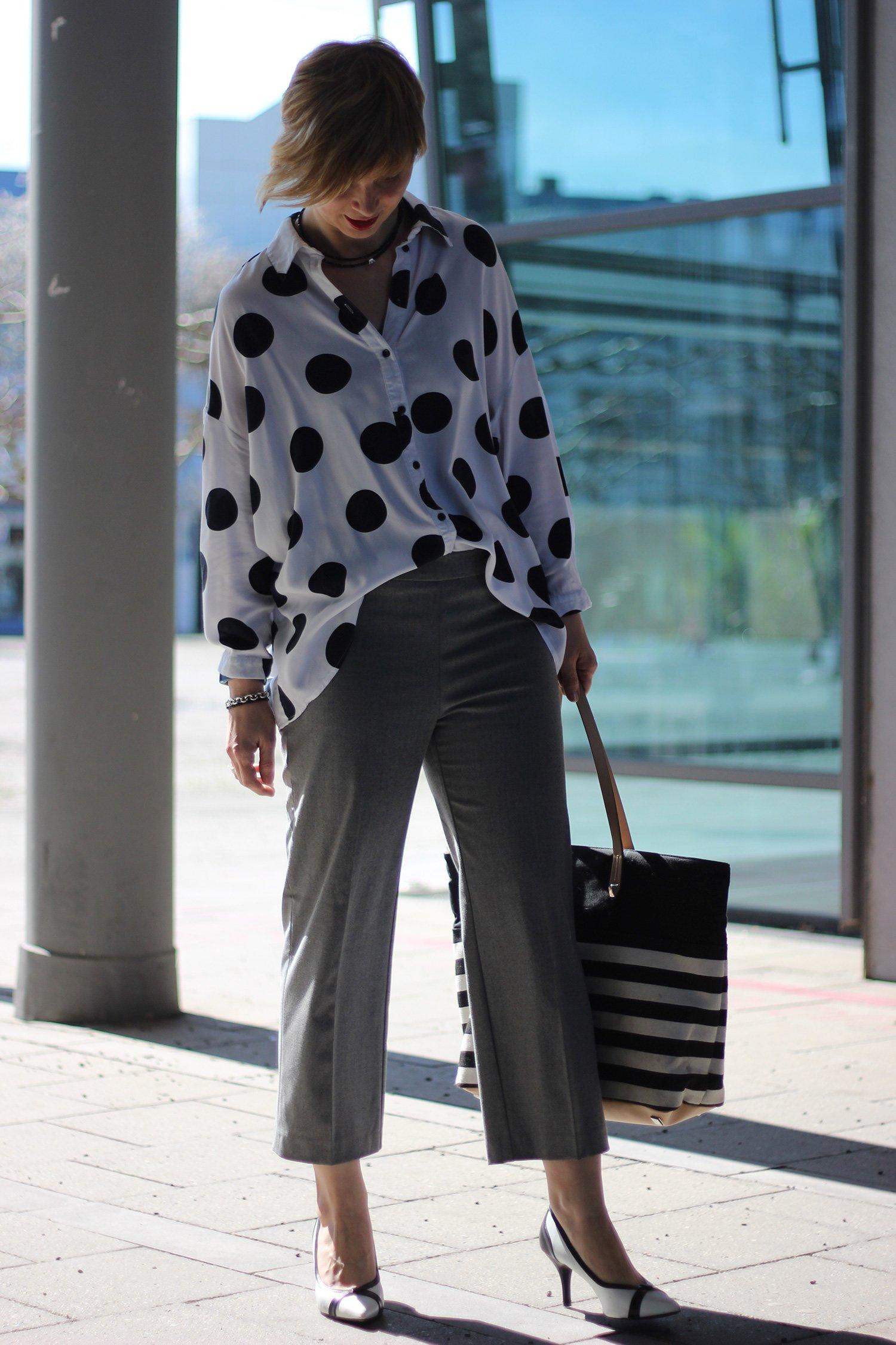 Culotte, Punkte und Streifen und grau und schwarz und weiß