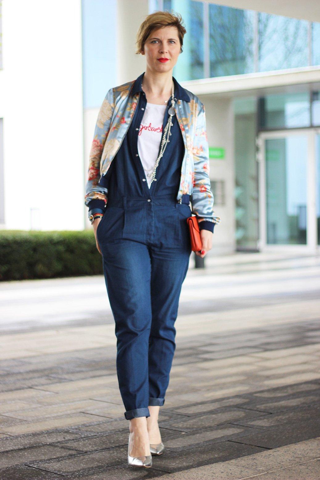 Wie style ich einen denim jumpsuit for Welche jeans macht schlank