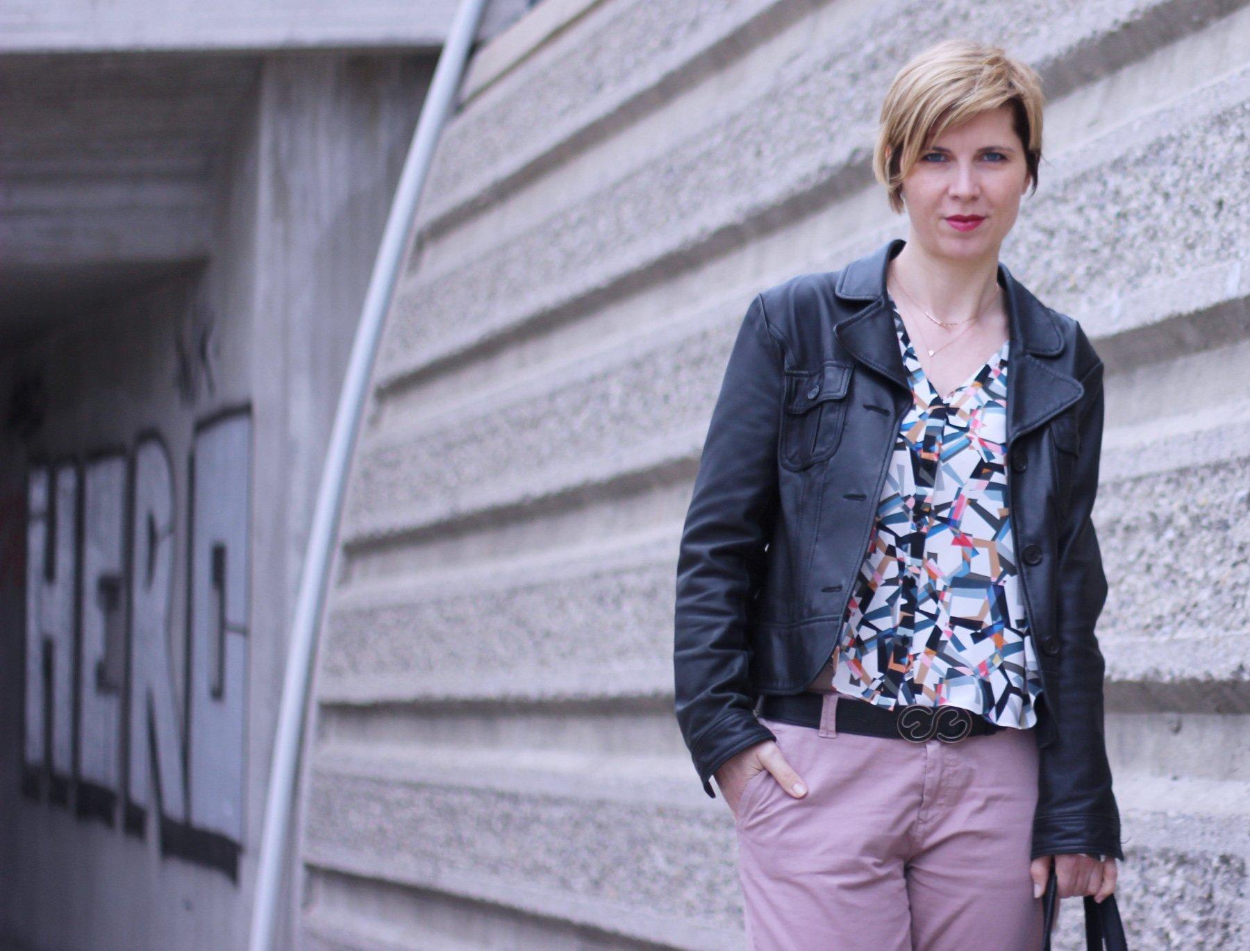 Rosé, Kontrastfarbe, Styling mit Schwarz, Lederjacke, Esprit, Hilfiger, Dorothee Schumacher, Fransentasche