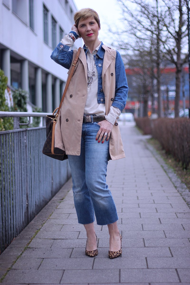 Denim, Trenchweste, ärmelloser Trench, denim allover, Jeansjacke, Leomuster, Pumps, Louis Vuitton, Michaelkors