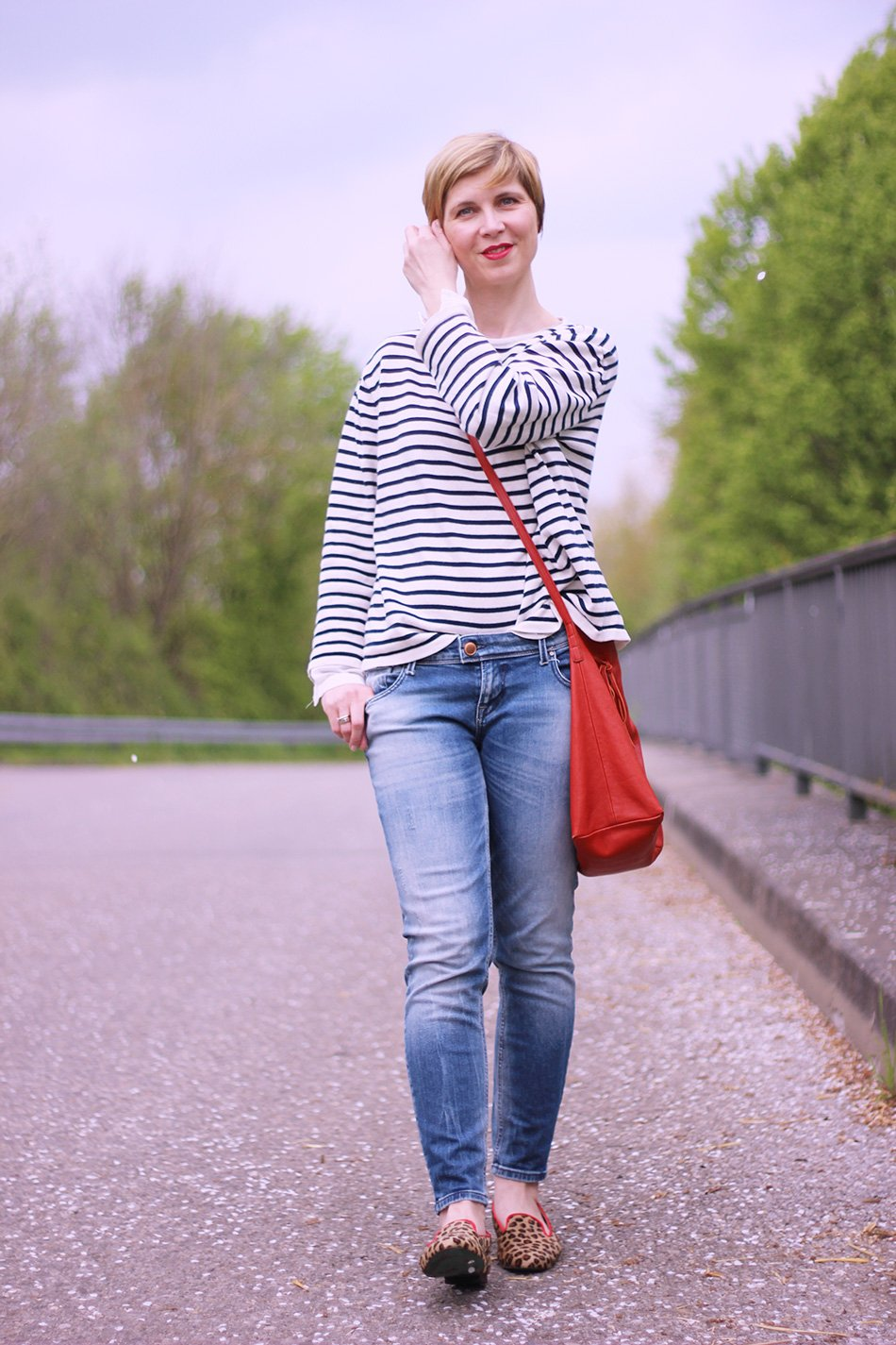 Mustermix, Streifen, Sweater, neyp, cropped jeans, ankle skinny, only, red, rote Tasche, Leo, Loafer, Slipper, Casual