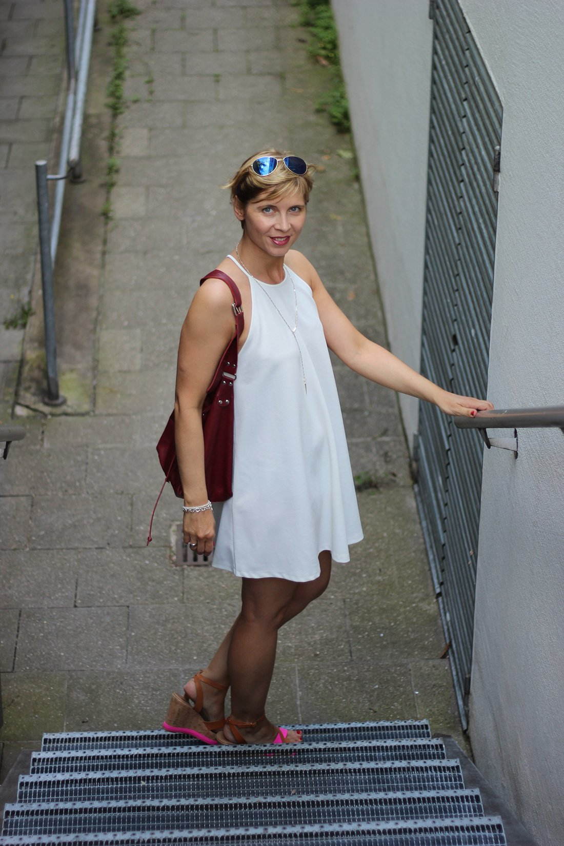weißes Sommerkleid, Zara, Outfitblog, Conny Doll, Bata-Shoes, DIY-Tasche, Fashionblog, ü40, 40plus