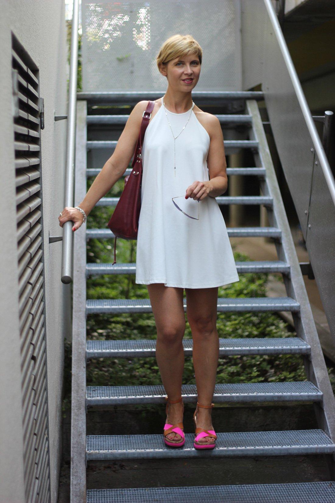 weißes Sommerkleid, Zara, Outfitblog, Conny Doll, Bata-Shoes, DIY-Tasche, Fashionblog, ü40, 40plus