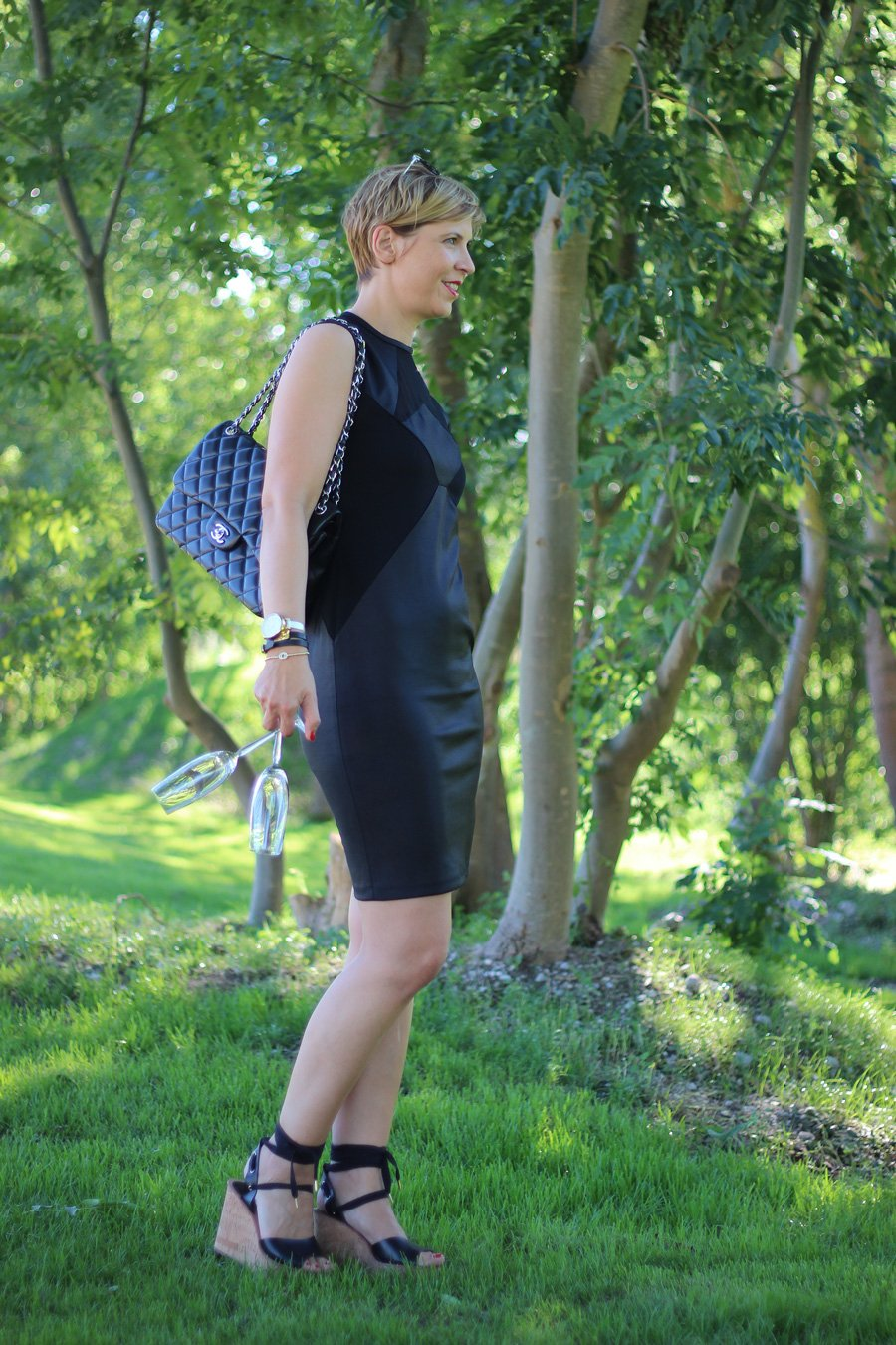 Kleines Schwarzes, Little black dress, Wedges, schwarz, Parylook, Conny Doll, ü40, Fashionblog, 40plus