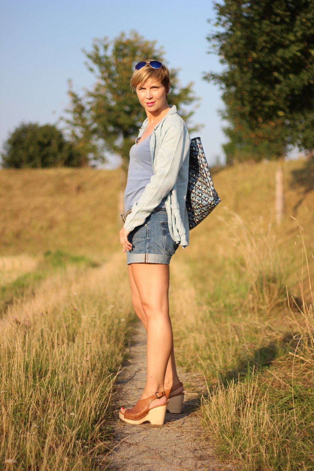 Denim-Shorts, Denim-Blazer, Reptileshouse, Gürtel, Conny Doll, Marc O'Polo, Blau