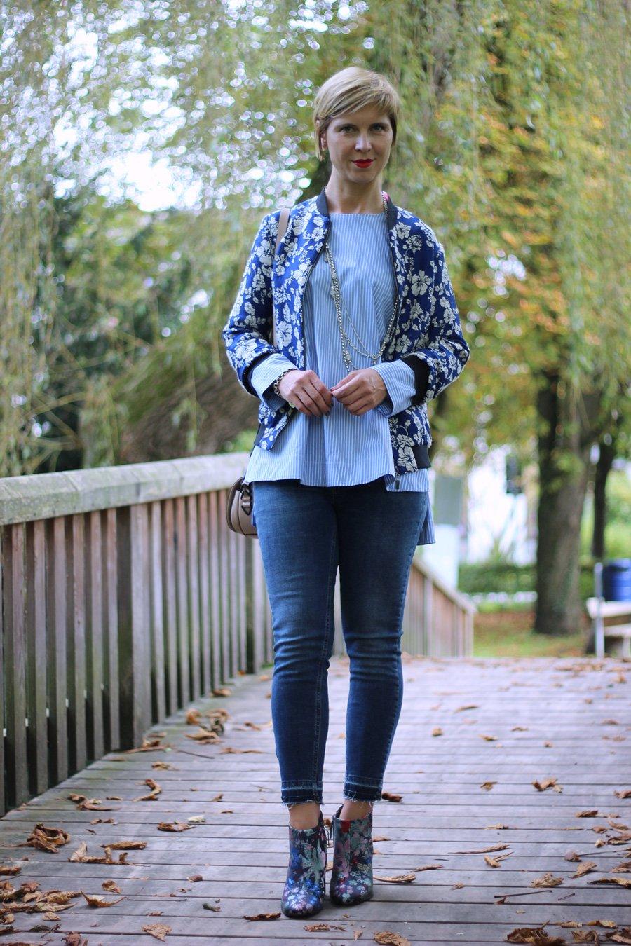 Ankle-Jeans, Ankle-Boots, Streifenbluse, Zara, Sam Edelman, Blau, Conny Doll, Herbstlook