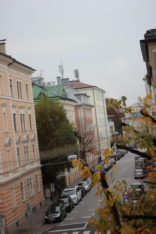 Salzburg, Sightseeing, Ausflug, Wochenende, Conny Doll, Sehenswürdigkeiten, Hotel Auersperg, Zimmerblick, Auerspergstraße