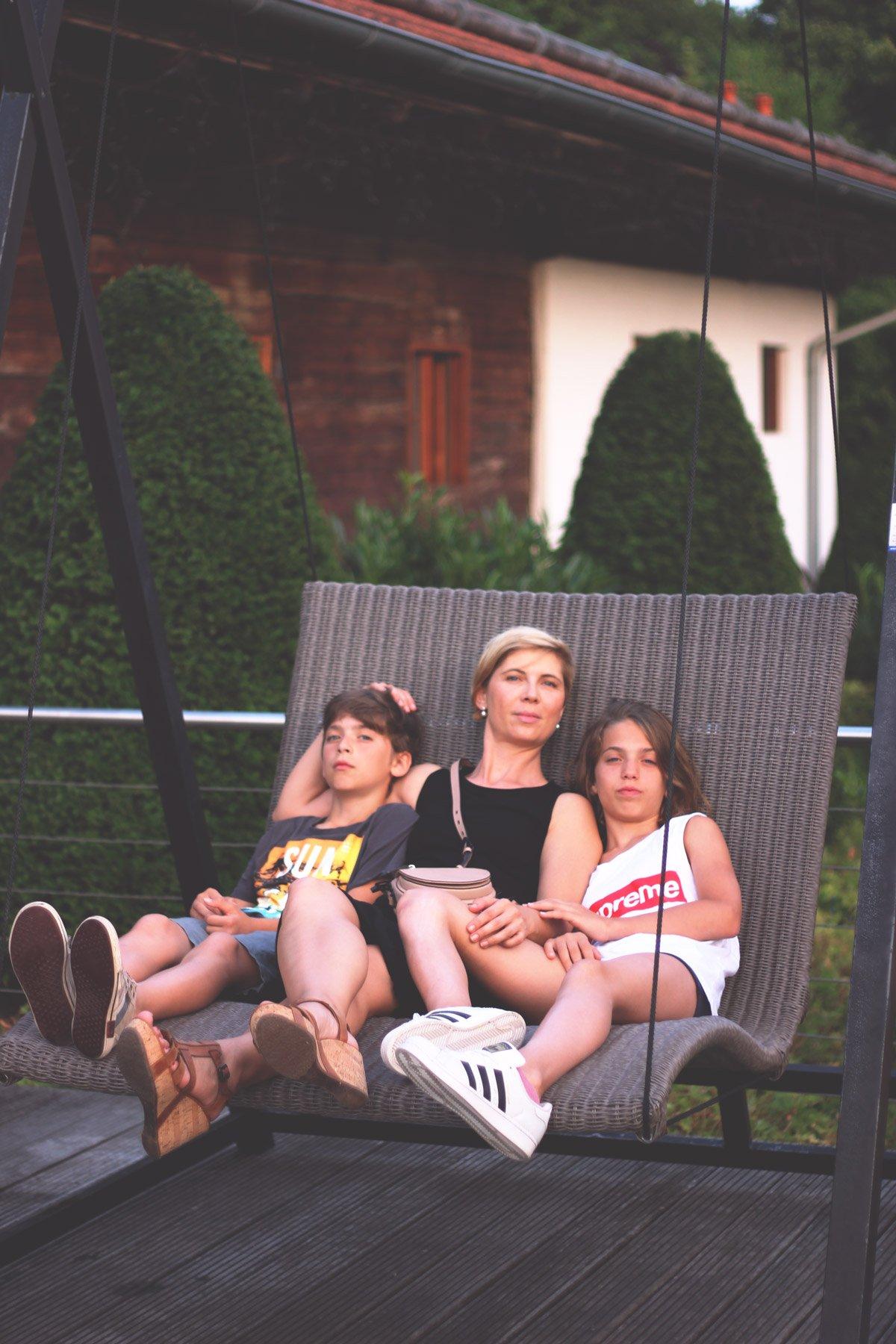 Hotel Drei Quellen Therme, Himmelsschaukel, müde, Mutter und Kinder