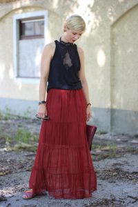 Maxi-Rock aus Seide, Sommerlook, Victoria Secret, Transparenz, Abendlook, Schlappen