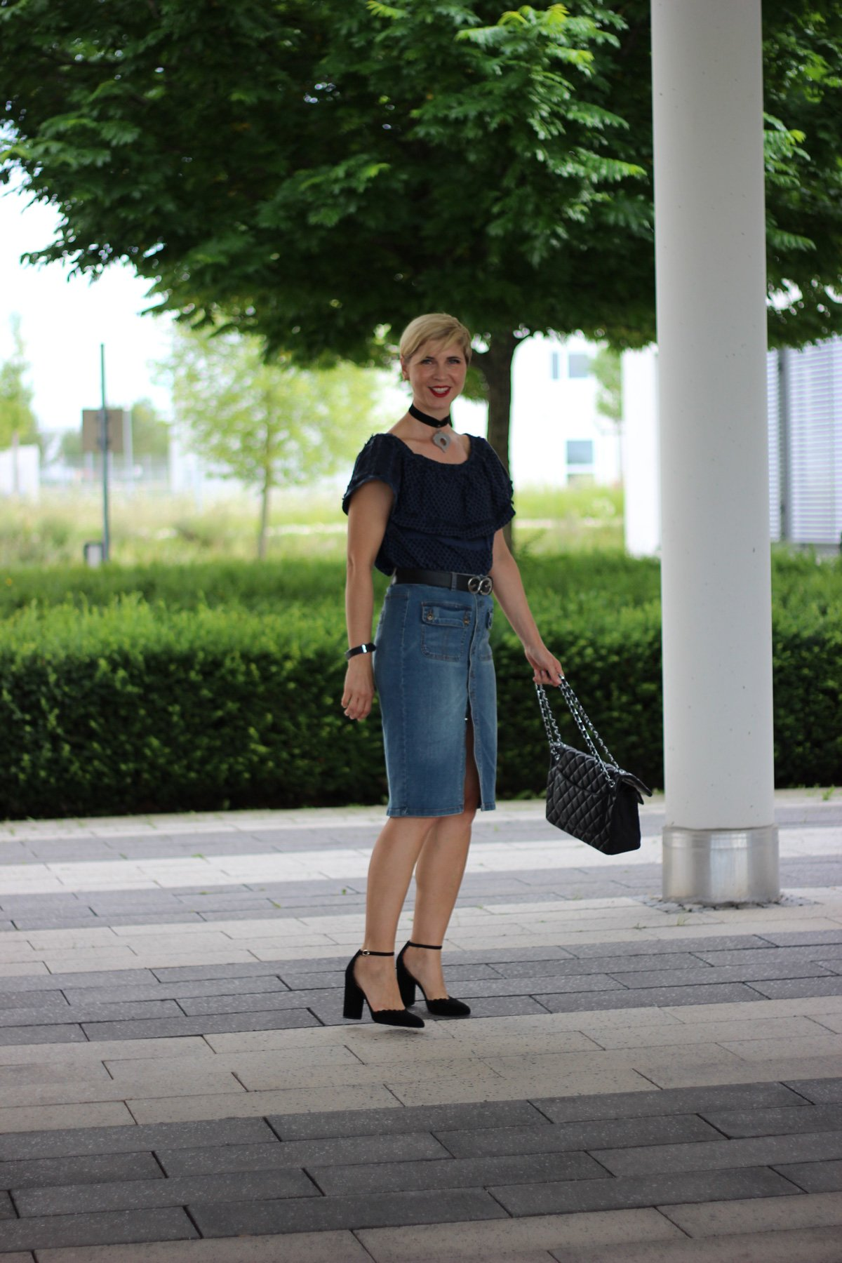 Carmenbluse, Outfitanalyse, wie style ich schulterfrei, jeansrock, wenz, sommerlook, cecilie copenhagen