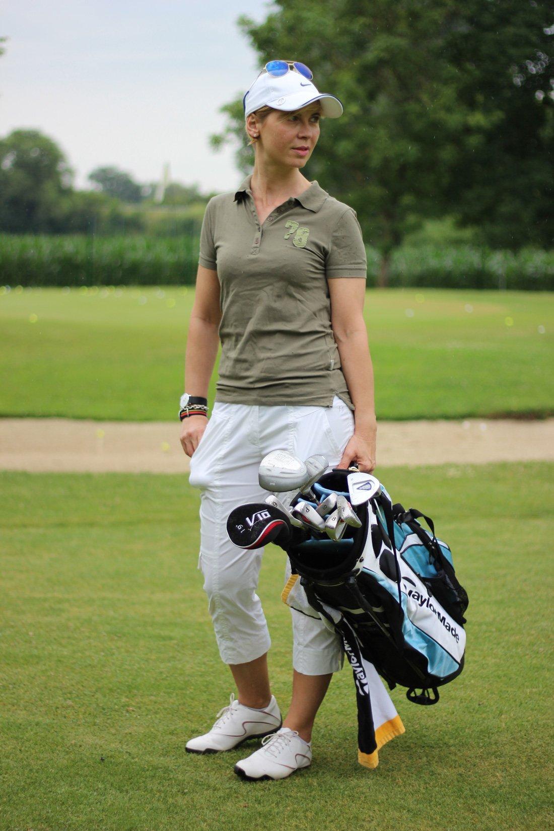 Golfclub Sagmühle, Conny Doll spielt Golf, wo gehts lang,