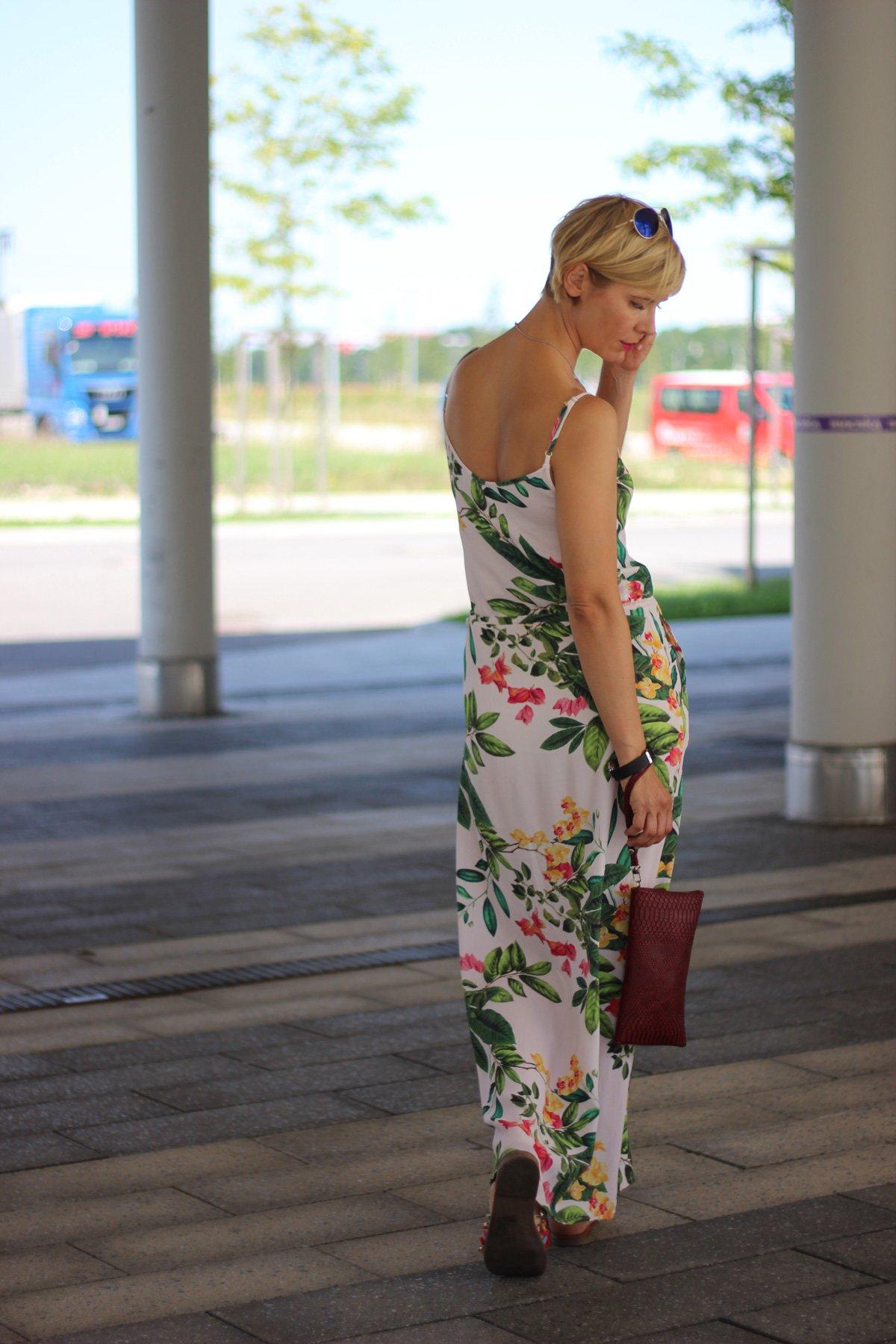 Maxikleid mit Blumenmuster, mbym, Sommerkleid, Sommerhitze
