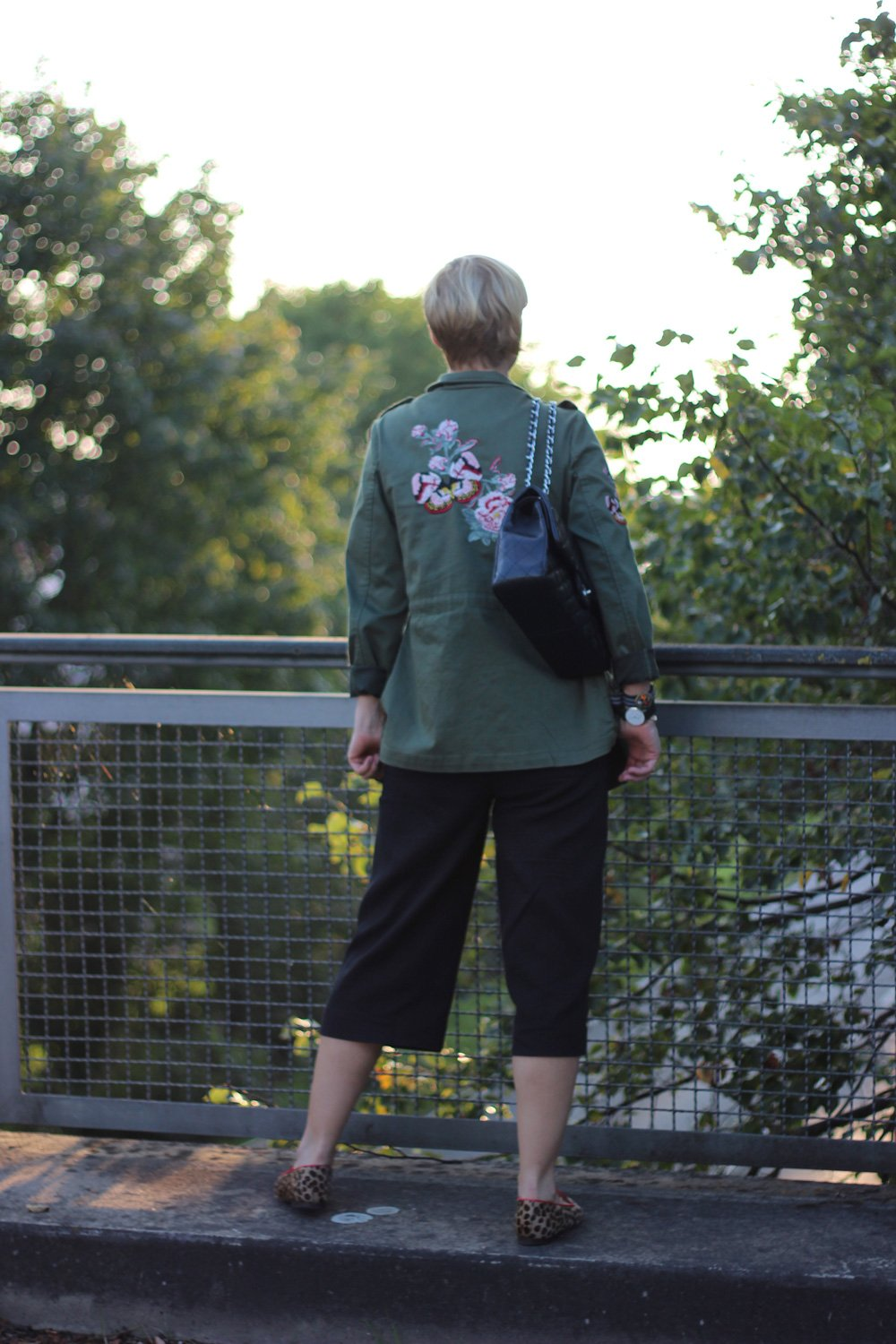 Culotte, Leoloafer, Shirt, Happy Girls are the prettiest, Stickerei, Jacke, WENZ