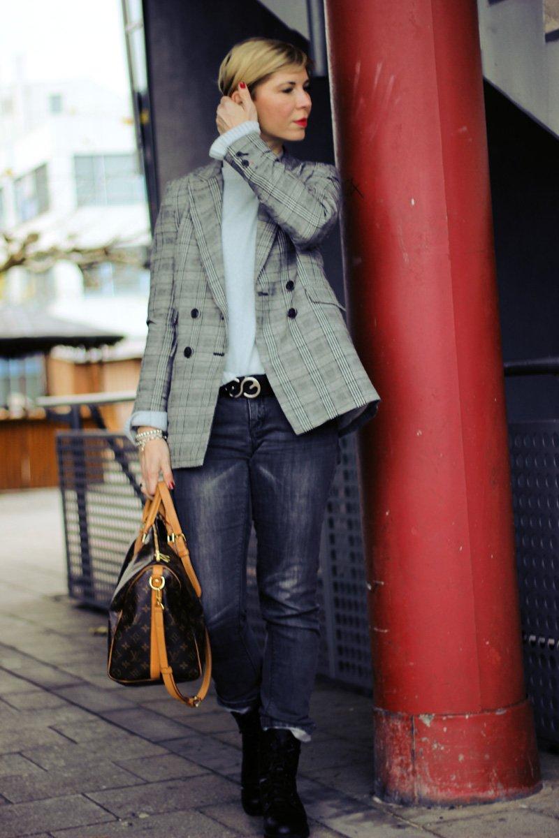 Conny Doll Lifestyle: Welcher Pullover passt unter einen Blazer? edgy style