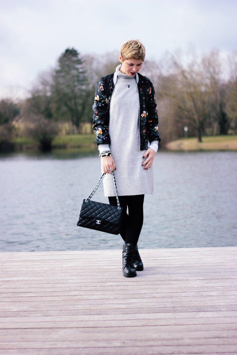 Conny-Doll-Lifestyle: Welche Strumpfhose trage ich zum grauen Strickkleid?