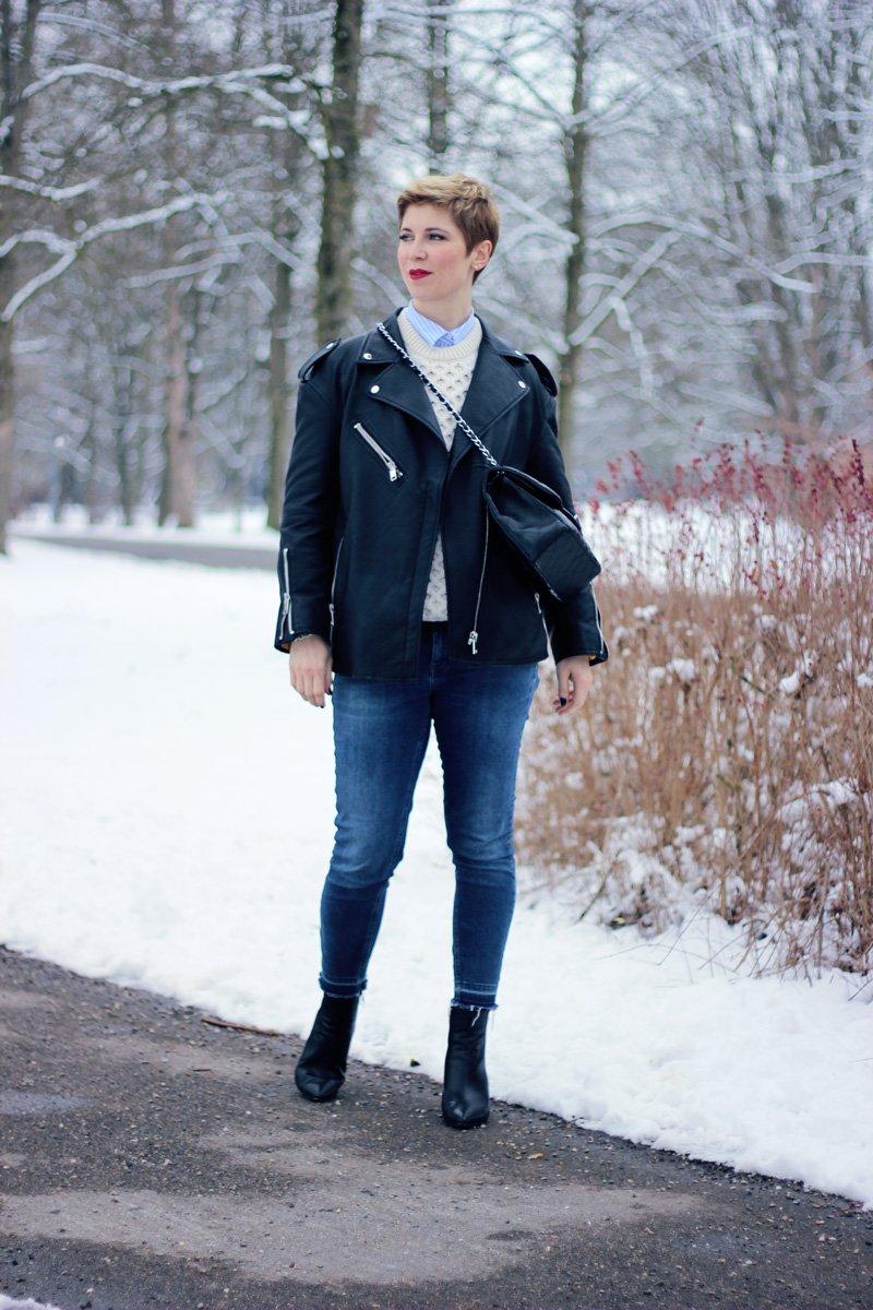 Conny-Doll-Lifestyle: Aran-Sweater, Irelandseye, Denim, Lagenlook, Lederjacke, Winter