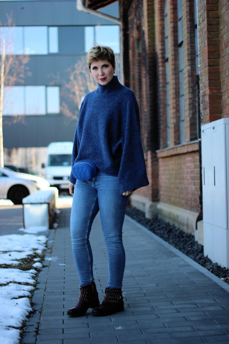 Conny Doll Lifestyle, Stylingchallenge mit einer Streifenbluse, Blau, vom Winter zum Frühling, Denim, Skinny, Winterlook