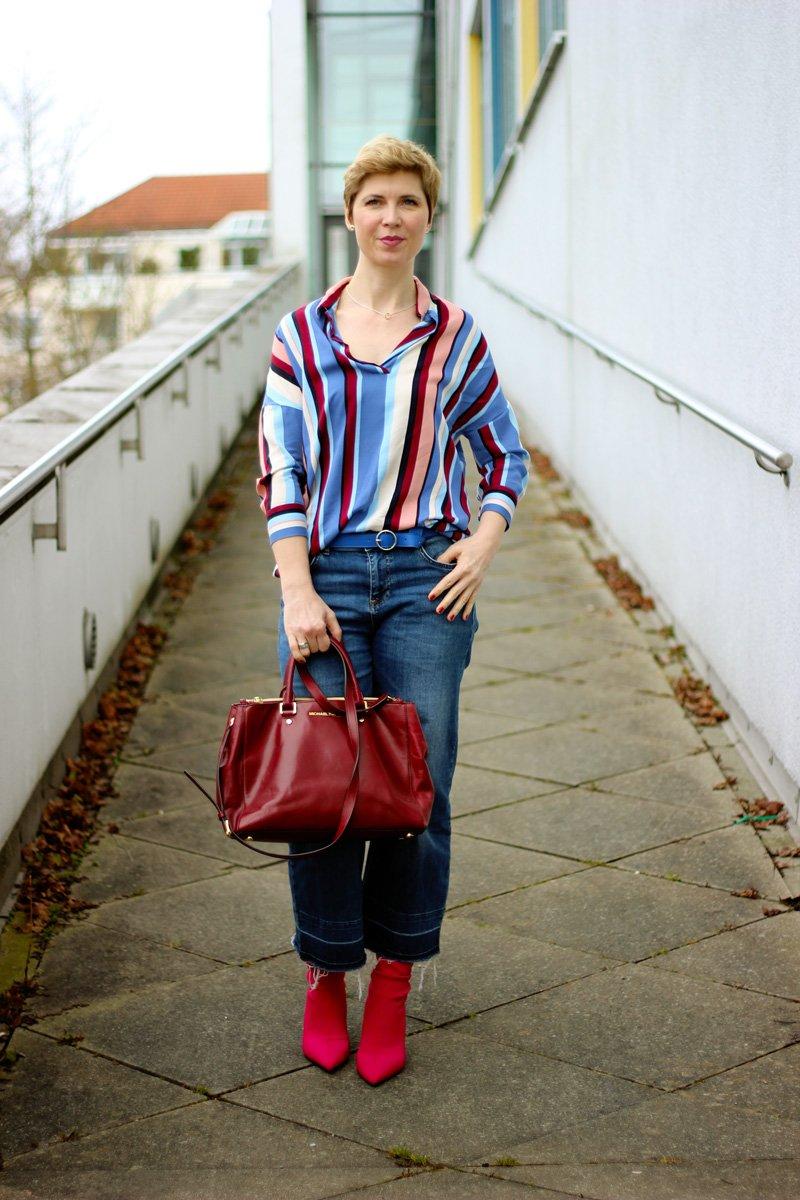 Conny Doll Lifestyle: Bluse mit bunten Streifen, Frühlingsstyling, Fashionblog, 40plus, Jeansculotte, Jeansjacke
