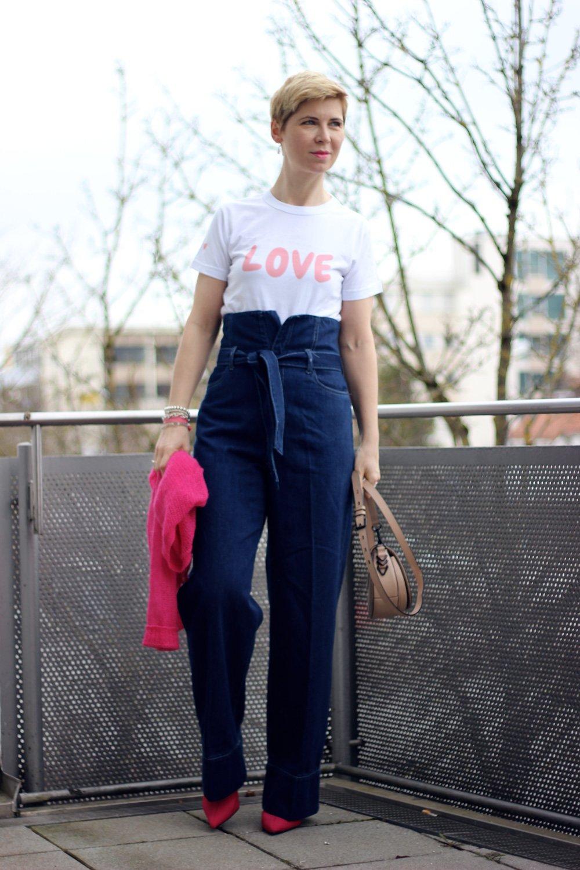 Conny Doll Lifestyle: Love Shirt, Gewinnspiel: Paperbaghose, Sockenstiefeletten, Cardigan, pink, blau