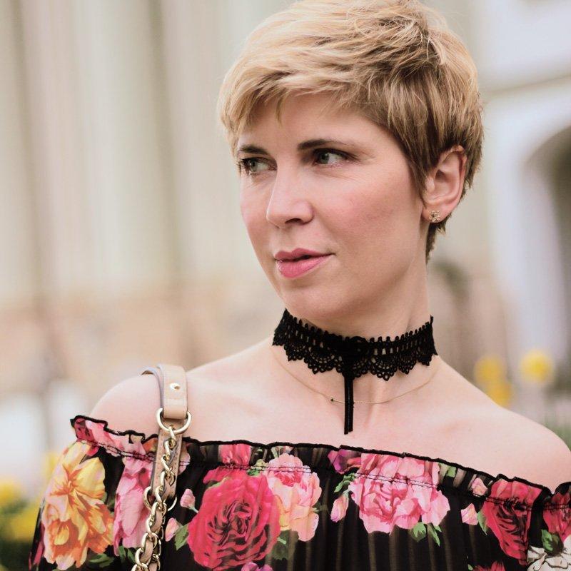 Conny Doll Lifestyle: WENZ Blumenprint, Tages- und Abendoutfit, schulterfreie oder Trompetenärmel, Trend Frühling 2018