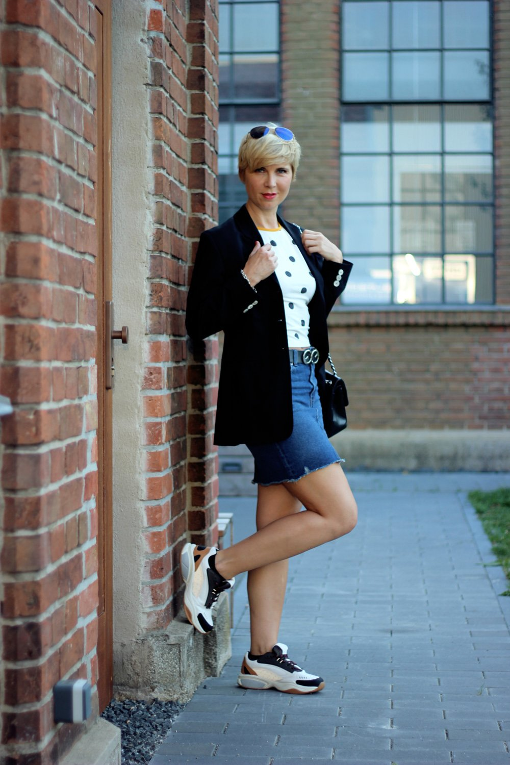 Conny-Doll-Lifestyle: Ladybloggers, Aktion, Vintage, Vintage-Blazer meets Jeans-Mini, Herbsttrend 2018