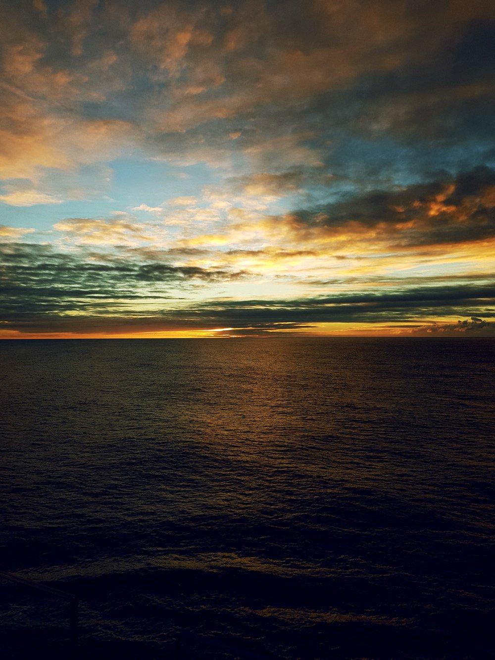 conny-doll lifestyle: Es geht weiter mit der Schiffsreise - meine Kreuzfahrt in Zahlen, Mein Schiff 1, TuiCruise, Kreuzfahrt, Seereise, Sonnenuntergang