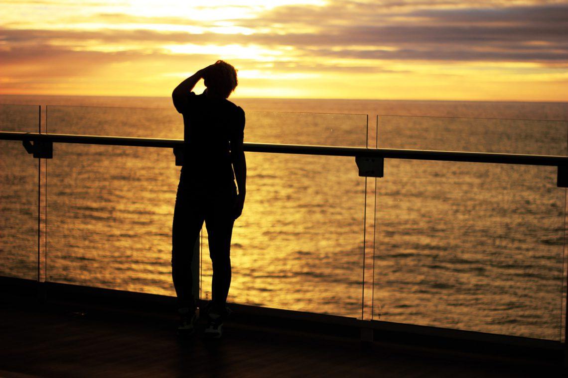conny doll lifestyle: Es geht weiter mit der Schiffsreise - meine Kreuzfahrt in Zahlen, Sonnenuntergang, Mein Schiff 1, Reling