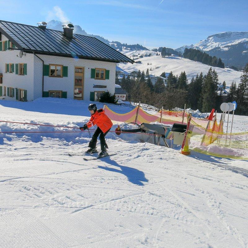 conny doll lifestyle: Skifahren lernen im Kleinwalsertal und Oberstdorf - Familienzeit nicht nur im Schnee, Winterlandschaft, Urlaub, Wochenende, Schnee,