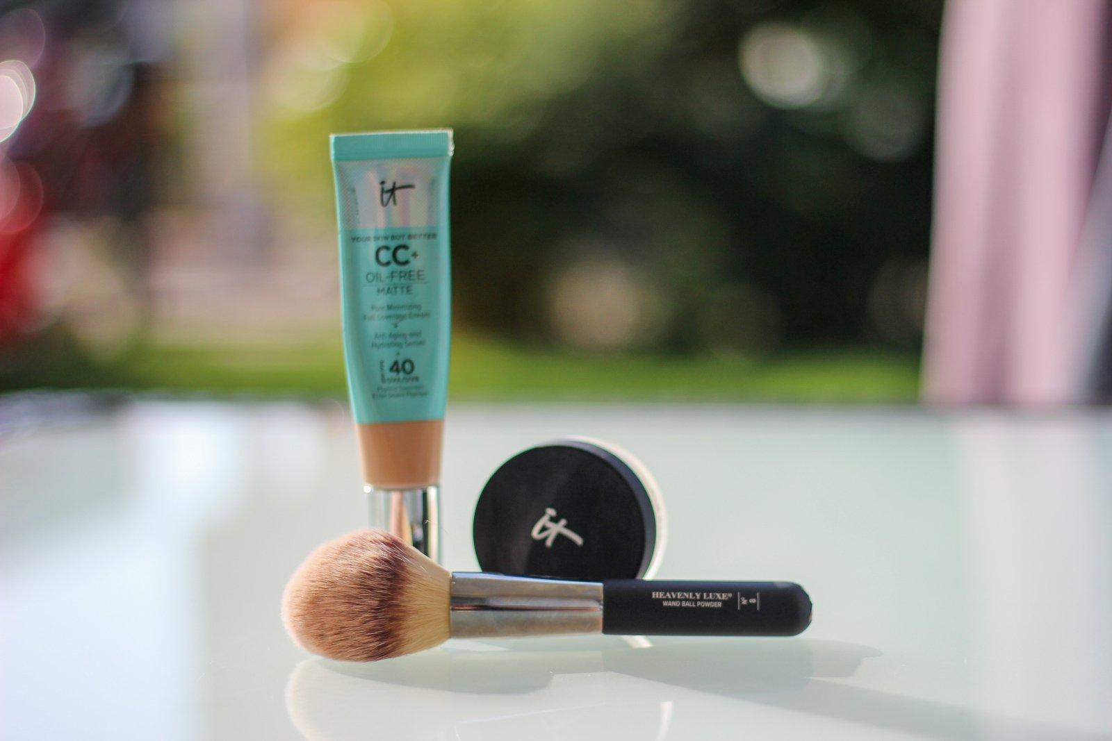 conny doll lifestyle: itcosmetics, cccream, ölfrei, matt, farbton: light und bye bye pores puder in translucent, schminkroutine,