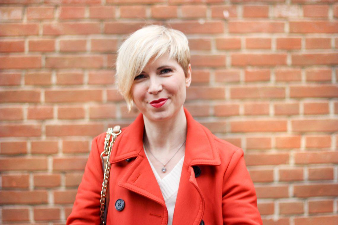 conny doll lifestyle: Schumacher Mantel, orange, casual styling, Fashionblog, München