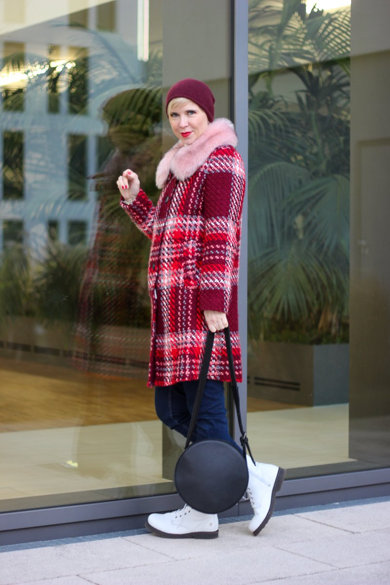 conny doll lifestyle: casual Winterstyling, Mantel, Boots