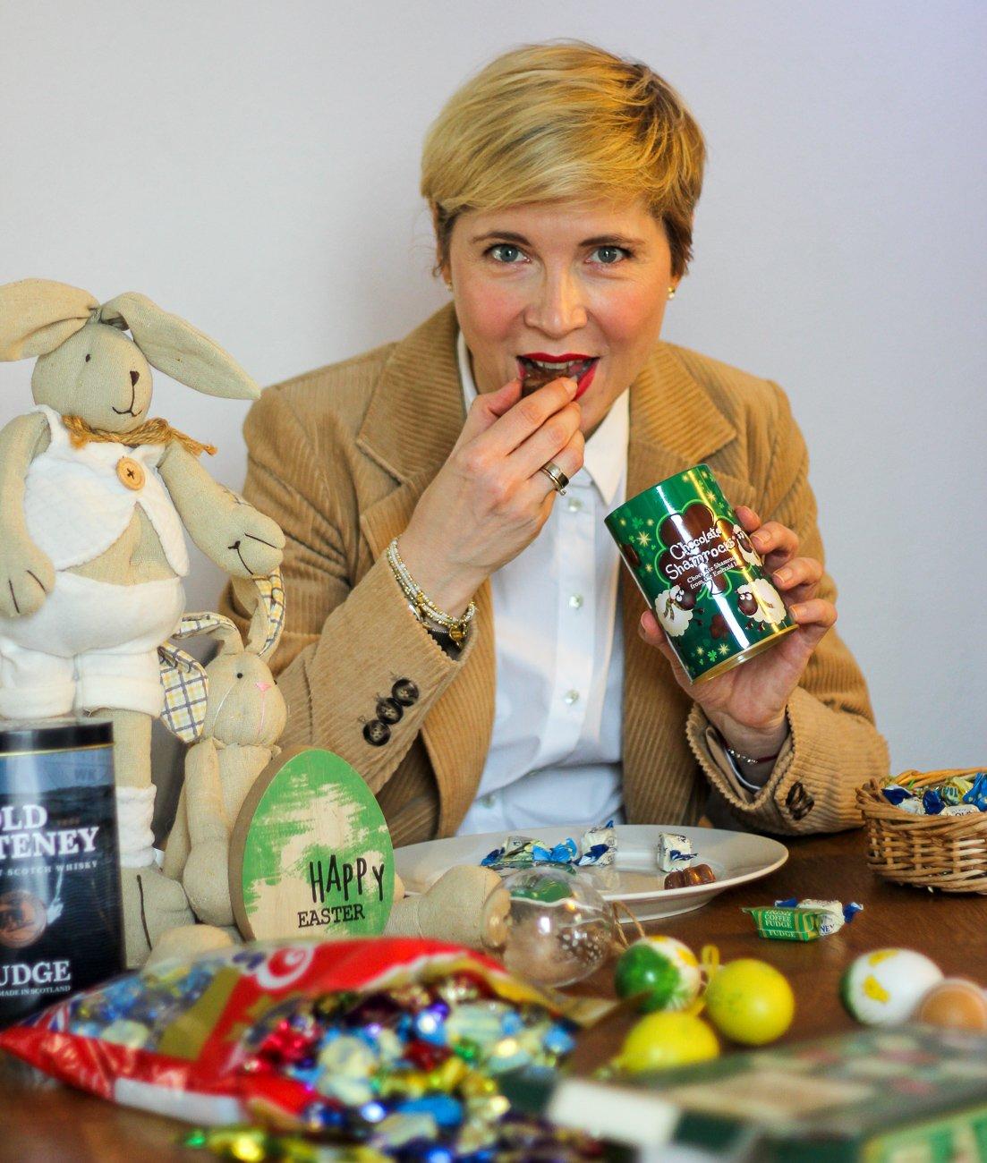 conny doll lifestyle: Shamrocks, irische Kleeblätter aus Schokolade, Ostern, Spardose, Fastenzeit,