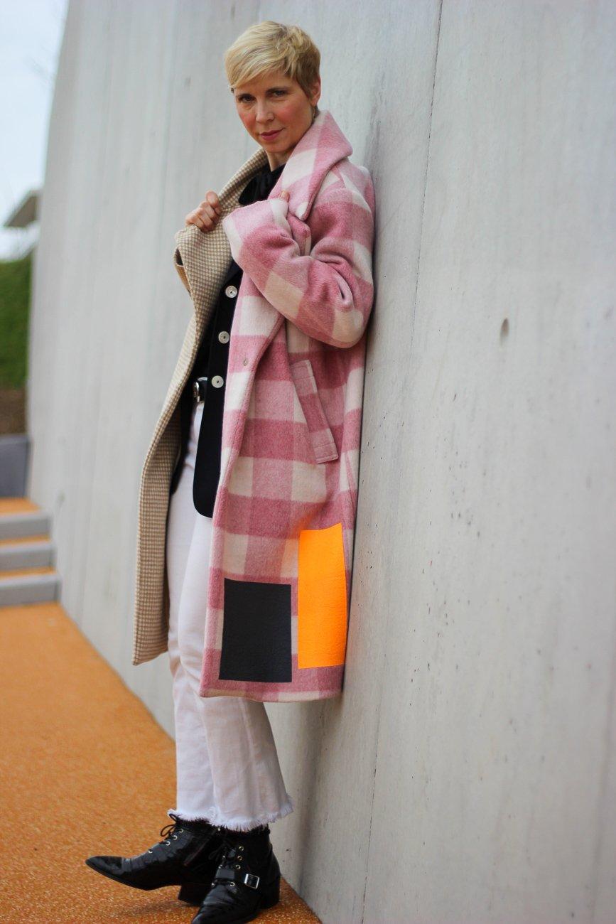 conny doll lifestyle: Stylingidee für einen Herbst-Winter-Trend, Mantel, black and white