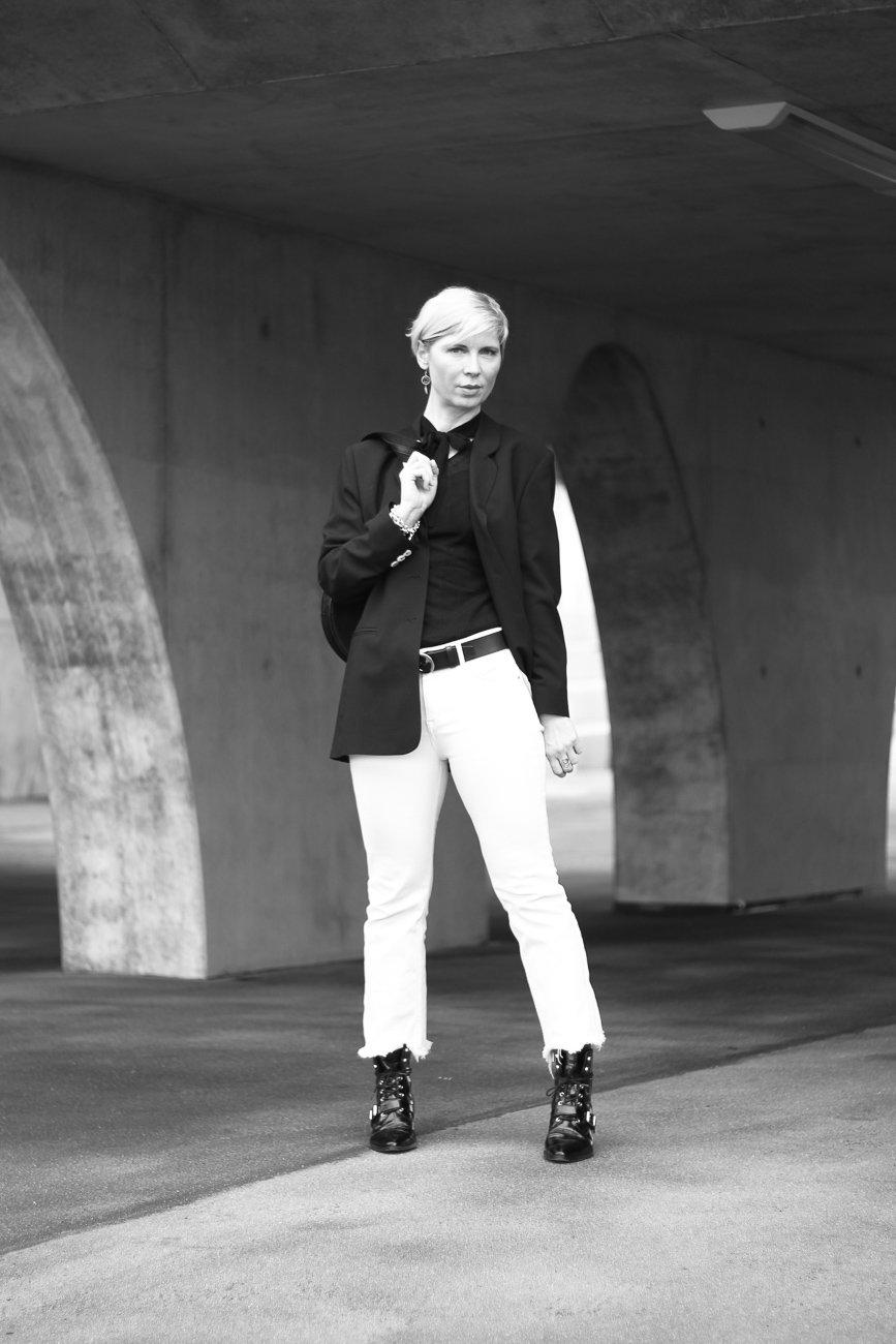 conny-doll-lifestyle: schwarz-weiß, casual Styling, Blazer, Schluppenshirt, Trend, Minimalismus