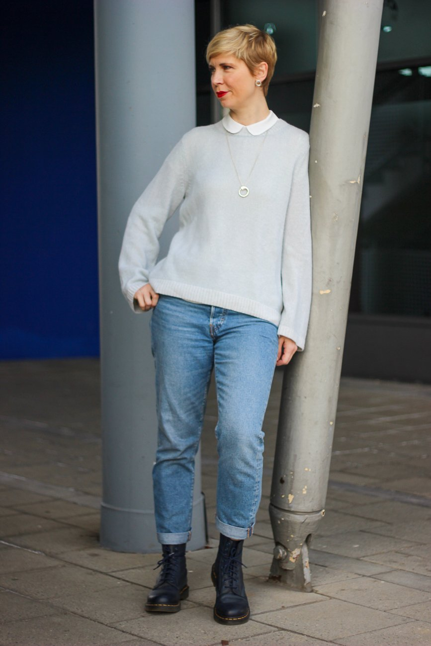 conny doll lifestyle: Jeans und Pulli, Mintgrün, Bubikragen
