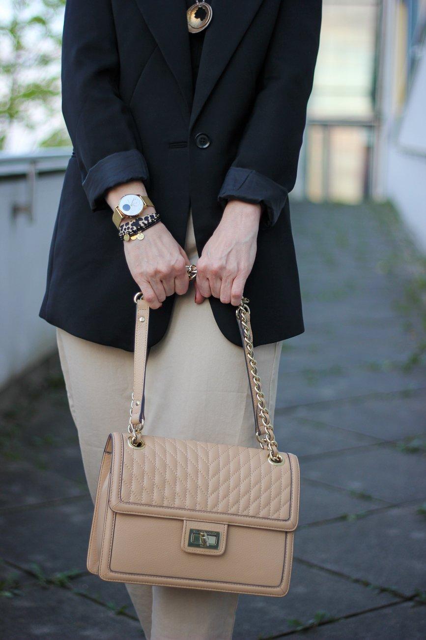 conny doll lifestyle: Highwaist, Blazer, Schmuck, Fashionblog, Frühlingslook, Details