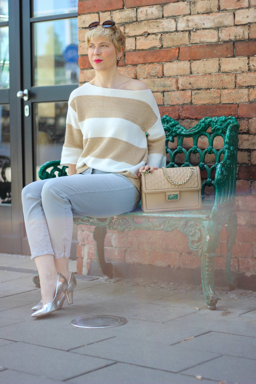 conny doll lifestyle: Gold und Silber, business-casual, silberne Pumps, Glitzer, TONI-Fashion